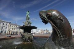 Havis Аманда - статуя фонтана обнажённого женская на квадрате рынка в августе 2012 в Хельсинки. Стоковые Изображения RF