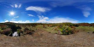 360°球状全景:站立在一条溪的一座桥梁在保罗de serra高原,马德拉岛 库存照片