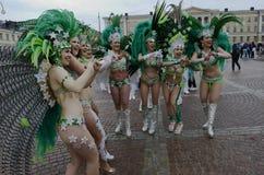 € de Helsinki, Finlande «le 6 juin 2015 : Voiture traditionnelle de samba d'été Image stock