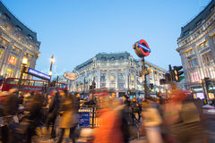 € de LONDRES, ANGLETERRE «le 30 décembre 2014 : Rue d'Oxford en mer de vente Photos libres de droits