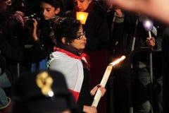 Mulher durante as estações da cruz presidida pelo papa Francis mim Fotos de Stock Royalty Free