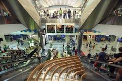 € de Moscou, RUSSIE «22 juin : Les gens à l'atterrissage d'aéroport à Moscou le 22 juin 2014 Photographie stock libre de droits