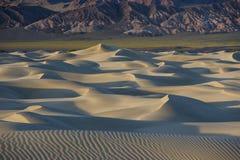 Death Valley de las dunas de arena Imágenes de archivo libres de regalías