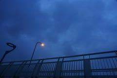 desmoronou desastre do tufão do afterda aro de basquetebol Fotografia de Stock