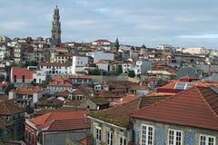 Старые дома с красными плитками Самый известный район в городе †«Ribeira Порту Стоковое Изображение RF