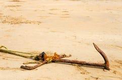 Âncora na areia Foto de Stock Royalty Free