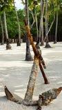 Âncora oxidada em areias Foto de Stock