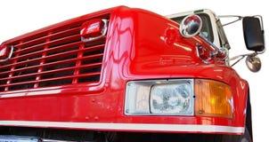 Ângulo dianteiro do motor de incêndio vermelho Fotos de Stock