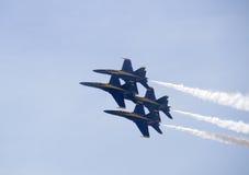Ângulos dos azuis marinhos dos E.U. em Airshow Fotografia de Stock Royalty Free
