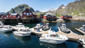 Ã…,挪威- 2016年6月2日:从Ã挪威渔村的看法…在Latofen 图库摄影