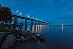 Ã土地桥梁夜, Ã土地,瑞典 免版税库存照片