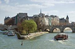 Ãle de la Cité. Giorno di sorgente pieno di sole a Parigi Fotografia Stock