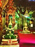 上帝的帕尧泰国5月16,2018坐WAT PHRA NANG DIN帕尧区城镇西康省北部泰国的Emple 免版税库存照片