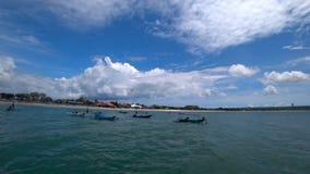 与小船的美好的海视图,热带海滩 股票视频