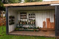 一个小植物托儿所在新生米德兰平原 图库摄影