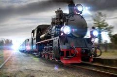 一辆冲的蒸汽机车 库存图片