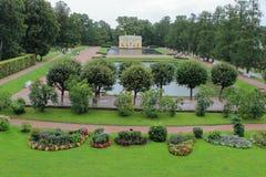 亭子'上部巴恩'和'低巴恩'凯瑟琳公园在普希金  库存照片