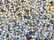 五颜六色的圆的糖果顶视图背景  免版税库存照片
