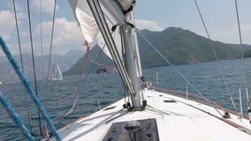 从做回旋的游艇的鼻子的看法 游艇卷 影视素材