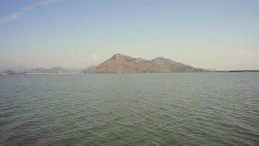 从小船的黑山,斯库台湖风景 股票录像