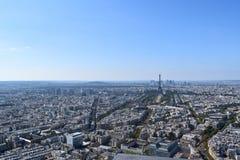 从蒙巴纳斯塔观察台看见的埃菲尔铁塔 免版税库存照片