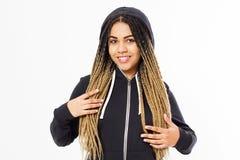 佩带黑hoody的年轻美国黑人的少年女孩画象  库存照片