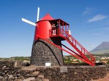 佛兰芒被启发的风车,皮库岛海岛,亚速尔 免版税库存图片