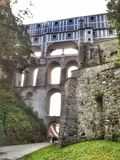 ÄŒeskÃ-½ Krumlov-Schloss-Brücke Lizenzfreies Stockbild