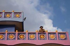 Ägaren av det lilla hotellet, Shri Lanka arkivbilder