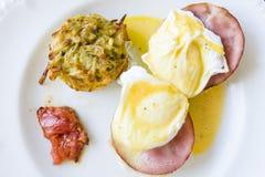 Ägg Benedict Breakfast royaltyfri bild