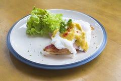 Ägg Benedict Breakfast Royaltyfri Foto
