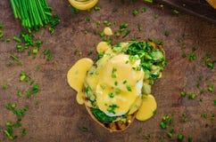 Ägg benedict med spenat Royaltyfria Foton