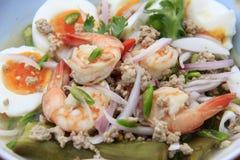 Ägg för auberginesalladwhit och räkor, Thailändsk-mat Royaltyfria Foton