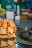 Ägg för framställning av en indisk traditionell mat som göras av mjöl royaltyfri fotografi