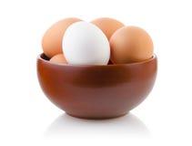 Ägg i en bunke Arkivbild