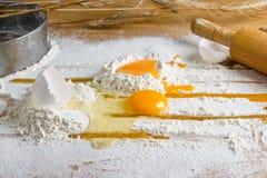 Ägg i mjöl Royaltyfria Bilder