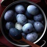 Ägg i panna Arkivfoto