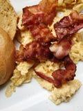 Ägg med bacon Arkivfoton