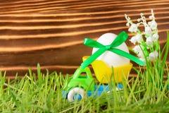 Ägg med det gröna bandet i liten lastbil Royaltyfria Foton