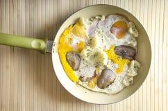 Ägg och bacon i en panna Royaltyfria Foton