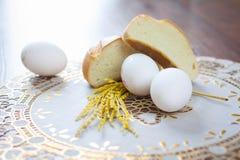 Ägg och bröd royaltyfria foton