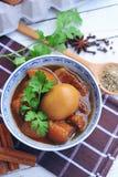 ägg och griskött i brun sås griskött för tre lager med ägg i söt skysås bräserade ägg för grisköttbuk och hönai soyawi Royaltyfria Bilder