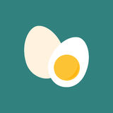 Ägg och halva av ägget Royaltyfri Foto