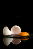 Ägg på black Arkivfoto