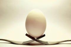 Ägg på gafflar Arkivbilder