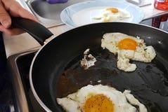 Ägg stekt ögonmatlagningkök Royaltyfri Fotografi