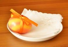 Ägget är a på plattan Royaltyfri Foto