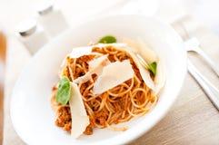 Äggpasta med nötköttkött och tomater Royaltyfria Foton