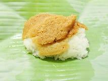 Äggvaniljsås med söta klibbiga ris royaltyfri fotografi