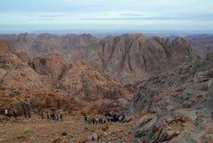 Ägypten, Moses Mountain. Abfall von der Spitze Stockbild